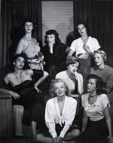 Philippe Halsman. Sorprèn-me! - Marilyn Monroe con otras actrices.
